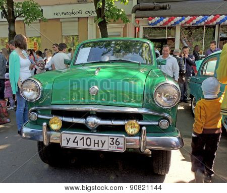 Soviet Retro F4 Layout Car Of 1960S Sedan Moskvitch 410 (scaldia)