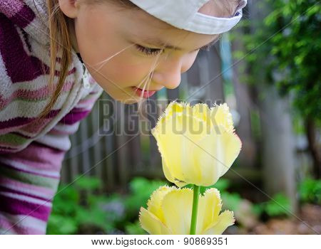 girl's face which was inclined to a tulip