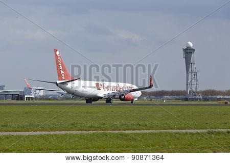 Amsterdam Airport Schiphol - Boeing 737 Of Corendon Airlines Lands