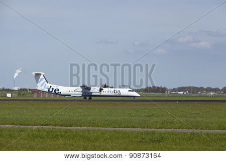 Amsterdam Airport Schiphol - Bombardier Dash 8 Of Flybe Lands