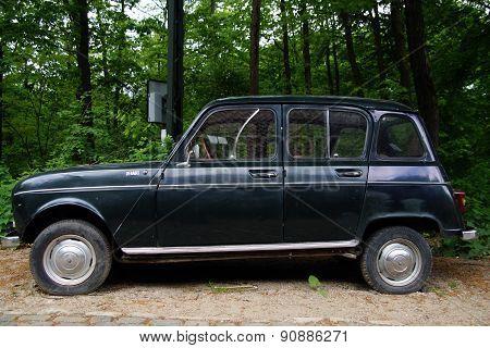 Vintage Renault 4 (R4) hatchback - side view