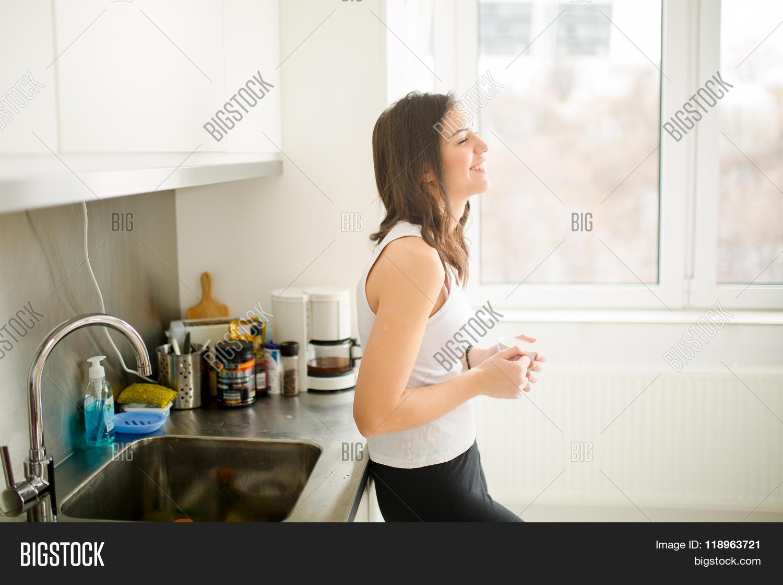 Modern working woman lifestyle drinking coffee or tea