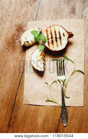 Grilled Onion With Fresh Basil