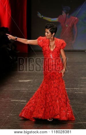 NEW YORK-FEB 11: Tamron Hall wears Marc Bouwer at Go Red for Women Red Dress Collection 2016 Presented by Macy's at New York Fashion Week at Moynihan Station on February 11, 2016 in New York City.