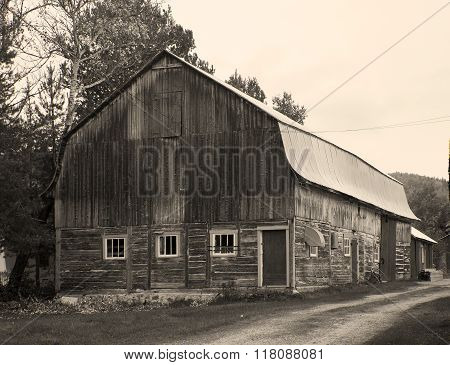 Old Barn in the counrty