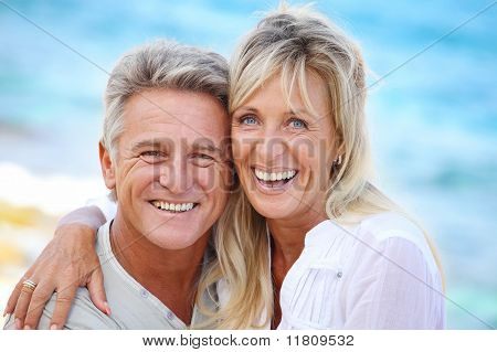 Happy mature Couple im freien