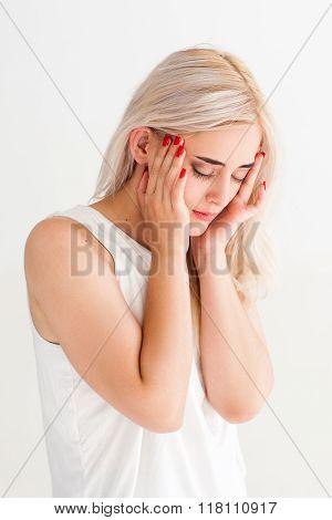 women with strong headache