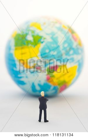 Businessman hand thinking or making decision in front of America map on the global Global business concept.