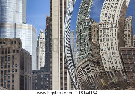Chicago, Usa - April 02: Cloud Gate And Chicago Skyline On April 02, 2014 In Chicago (usa)