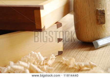Dovetailed joint