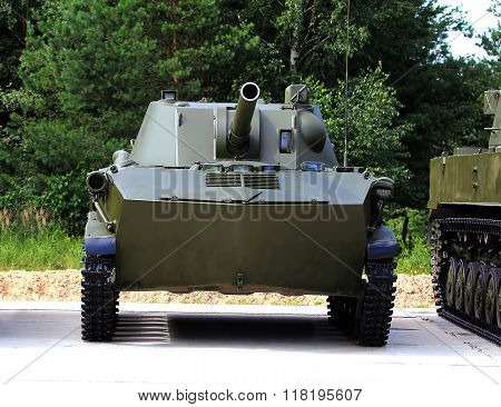 120Mm  Airborne Self-propelled Gun