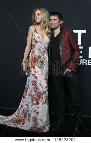 LOS ANGELES - FEB 10:  Elle Evans, Matt Bellamy at the SAINT LAURENT At The Palladium at the Hollywood Palladium on February 10, 2016 in Los Angeles, CA