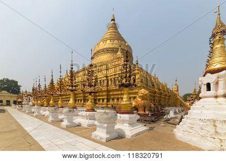 Shwe Zi Gon Pagoda Or Paya Temple In Nyaung-u Bagan, Myanmar