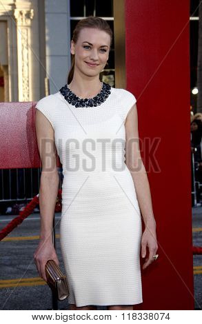 Yvonne Strahovski at the Los Angeles Premiere of