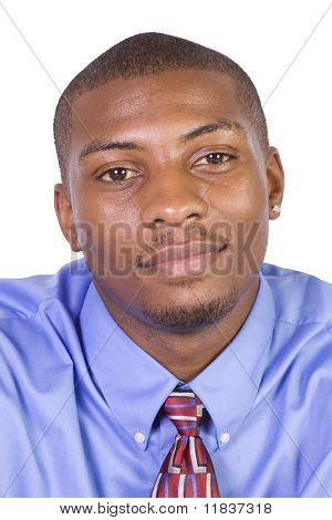 Apuesto empresario afroamericano