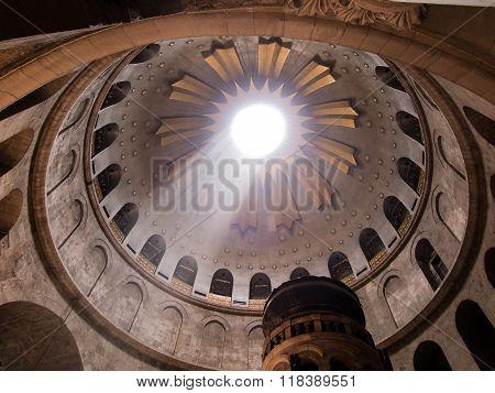 JERUSALEM - Juli 13: Greek Chapel of the Church of Holy Sepulchre in Jerusalem