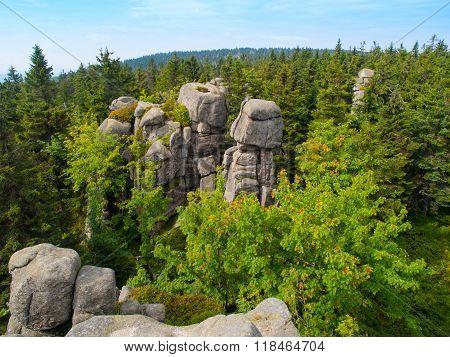 Snezne vezicky granite rock formation