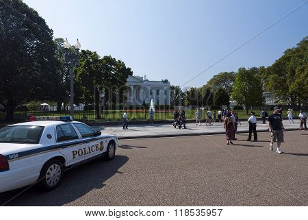 Washington D.c., Usa, White House - September 22, 2010: The White House. The Secret Services Guard W