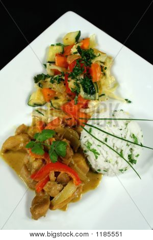 Thai Chicken Curry With Stirfry Vegetables