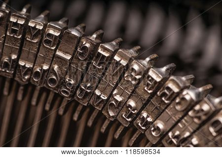 Details On Antique Typewriter