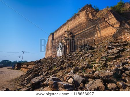 Mingun Pahtodawgyi Pagoda, Sagaing, Myanmar