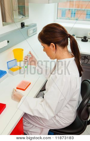 Women in research in research lab