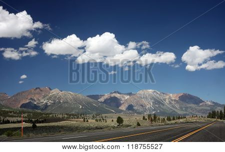 Sierra Nevada Mountains outside Yosemite National Park
