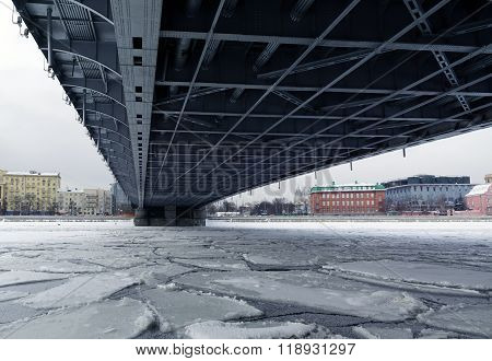 Metal construction of bridge span over the ice