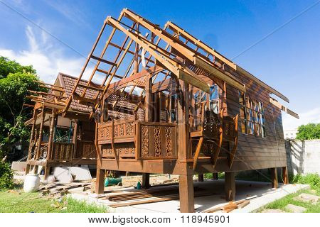 Building Thai Style Teak Wood House