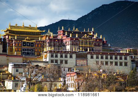 Songzanlin Monastery in Shangrila city, a county-level city in northwestern Yunnan province, China.