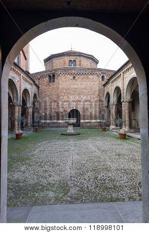 Cloister Of Santo Stefano