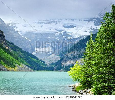 Lake Louise, mit Bergen