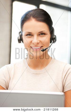 Bild von Helpline-Operator mit Laptop-computer