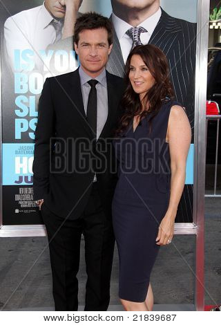 LOS ANGELES - 30 de JUN: JASON BATEMAN & AMANDA ANKA chega para o Prem de Los Angeles de