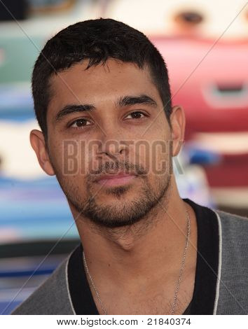 LOS ANGELES - JUN 18:  WILMER VALDERRAMA arrives to the