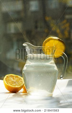 Countess of fruit juice, lemons on the surface