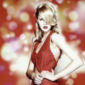 Постер, плакат: Красивая женщина с элегантное платье Мода Фото