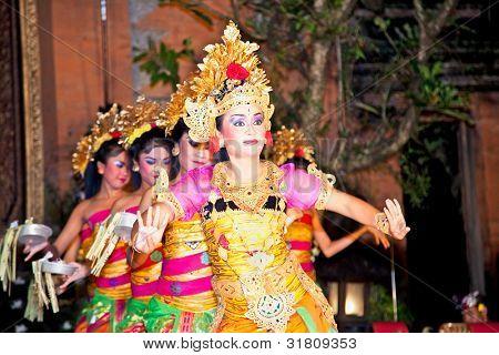 BALI - JANUARY 24: Legong Dance & Ramayana by the Bina Remaja Troupe . Ubud is the home of traditional culture in Bali. January 24, 2012 in Bali, Indonesia.