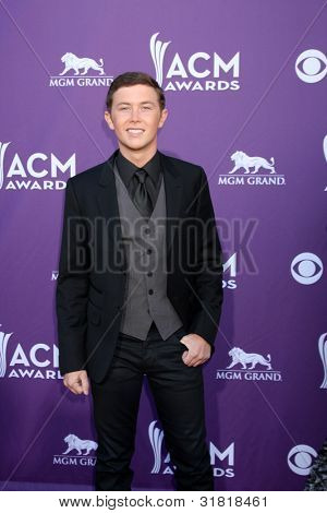 LAS VEGAS - APR 1:  Scotty McCreery arrives at the 2012 Academy of Country Music Awards at MGM Grand Garden Arena on April 1, 2010 in Las Vegas, NV.