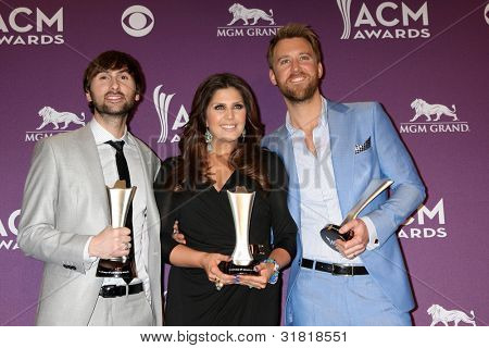 LAS VEGAS - APR 1:  Lady Antebellum in the press room  at the 2012 Academy of Country Music Awards at MGM Grand Garden Arena on April 1, 2010 in Las Vegas, NV.