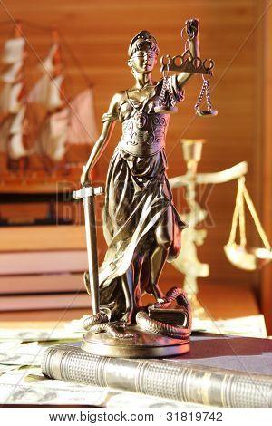 Dame der Justiz