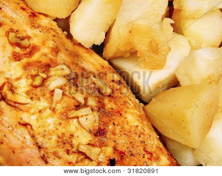 Chicken With Spices And Fried Potatoes