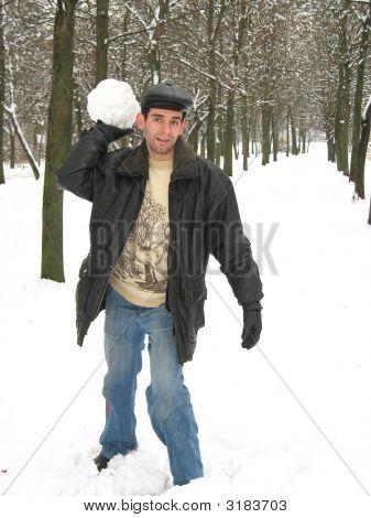 Playing Snowballs
