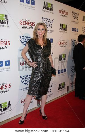 LOS ANGELES - MAR 24:  Elaine Hendrix arrives at  the 2012 Genesis Awards at the Beverly Hilton Hotel on March 24, 2012 in Beverly Hills, CA