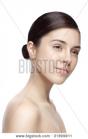 fresh face with natural makeup, no filters used on the skin, skin texture present