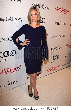 LOS ANGELES - 4 FEB: Julia Stiles arriveert bij de Hollywood Reporter viert de 85e Academy Awa