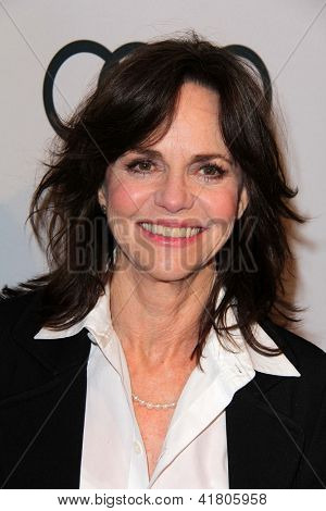 LOS ANGELES - 4 de FEB: Sally Field llega en el reportero de Hollywood celebra el 85 Academia Awar