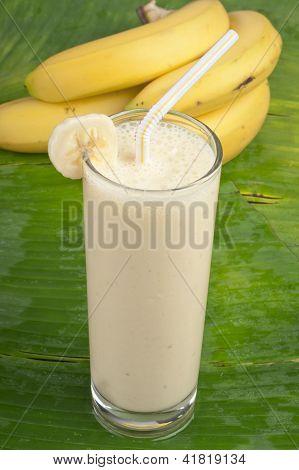 refreshing banana smoothie milk shake