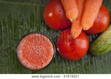 healthy refreshing vegetable juice