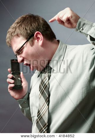 Teléfono ira